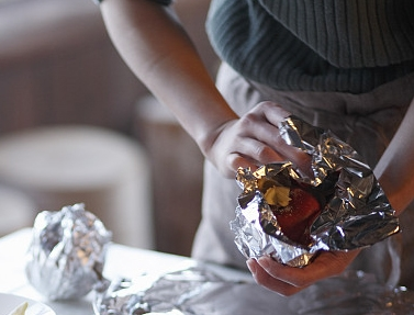 Use of aluminum foil